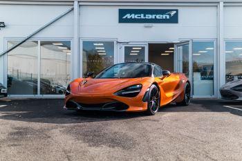 McLaren 720S V8 2dr SSG PERFORMANCE image 2 thumbnail